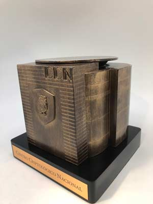 trofeos-acabados-metalizados-premiso-ccn-artificionet