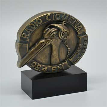 trofeos-acabados-metalizados-radio-cigueña-artificionet